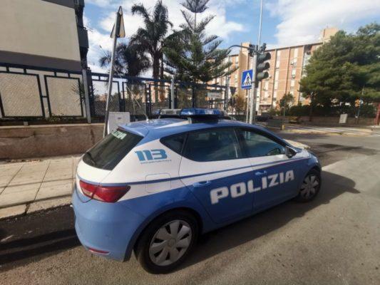 Droga nascosta con calamite nel motore delle auto: arrestato 19enne, numerosi clienti segnalati