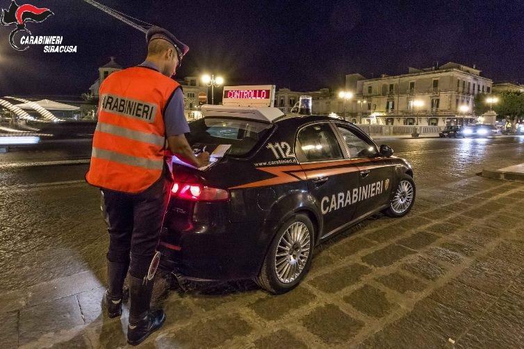 Evade dai domiciliari per riunirsi con altri pregiudicati e tenta la fuga: arrestato Tommaso Liotta