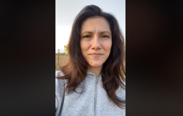 """La sorpresa di Elisa ai siciliani, in un video gli auguri per il Primo Maggio: """"Popolo con una forza straordinaria"""" – VIDEO"""