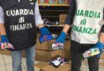 Maxi sequestro della Finanza in un negozio cinese di Misterbianco: sequestrate mascherine dannose per i più piccoli