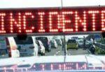 Incidente sulla A29, scontro tra due autovetture: traffico in tilt con lunghe code, un ferito
