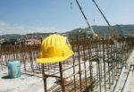 Incidente sul lavoro, muratore cade da balcone in via Manzoni: volo di 7 metri e schianto a terra fatale