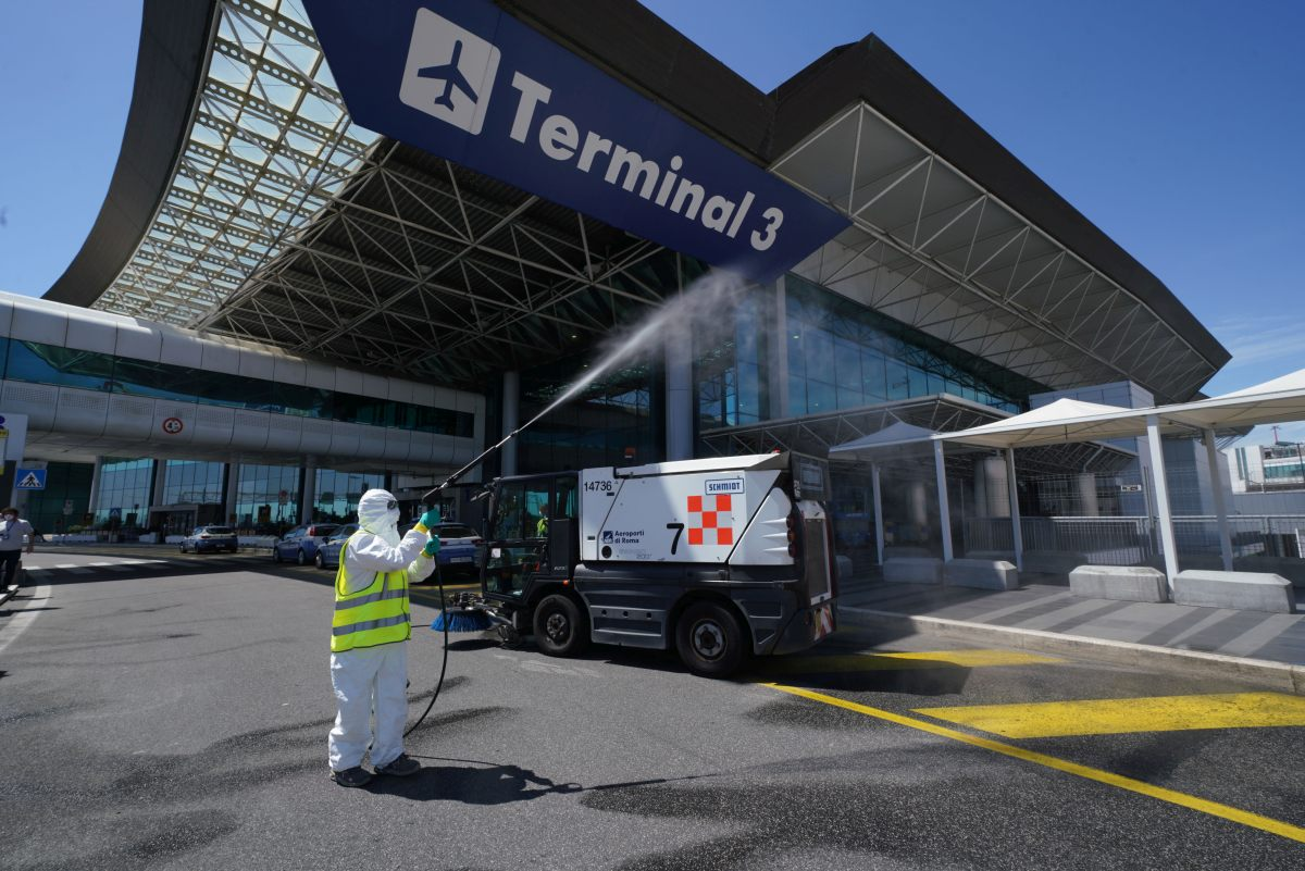Trasporto aereo, l'Italia rischia una perdita di 1,6 miliardi di euro