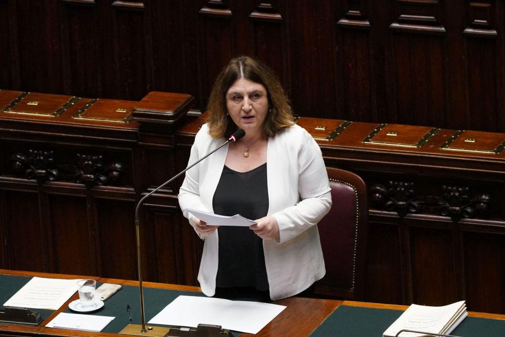 Lavoro, ipotesi proroga bonus 600 euro: nell'agenda del ministro Catalfo anche il salario minimo