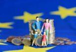 Assegno unico, il via dal primo luglio: compatibile con Reddito di Cittadinanza, ecco fino a quando c'è tempo