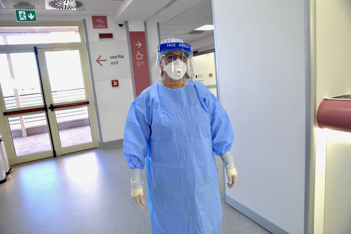 Salgono i contagi nella provincia di Messina: focolaio in un ospedale, 25 positivi e 7 ricoverati