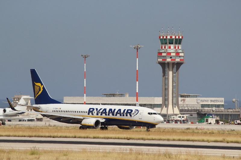 """Ryanair torna a volare sul cielo del capoluogo. Tra rotte nazionali e internazionali: """"Segnale di ripartenza"""""""