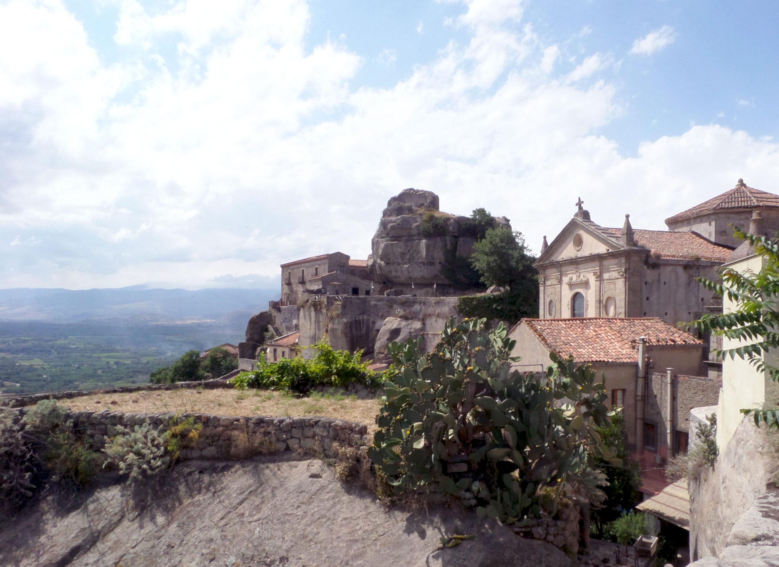 Alla scoperta dei borghi siciliani e della storia dell'isola: tappa a Castiglione di Sicilia