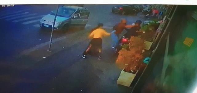 Momenti concitati in un negozio cinese di viale Mario Rapisardi – Il VIDEO della rapina