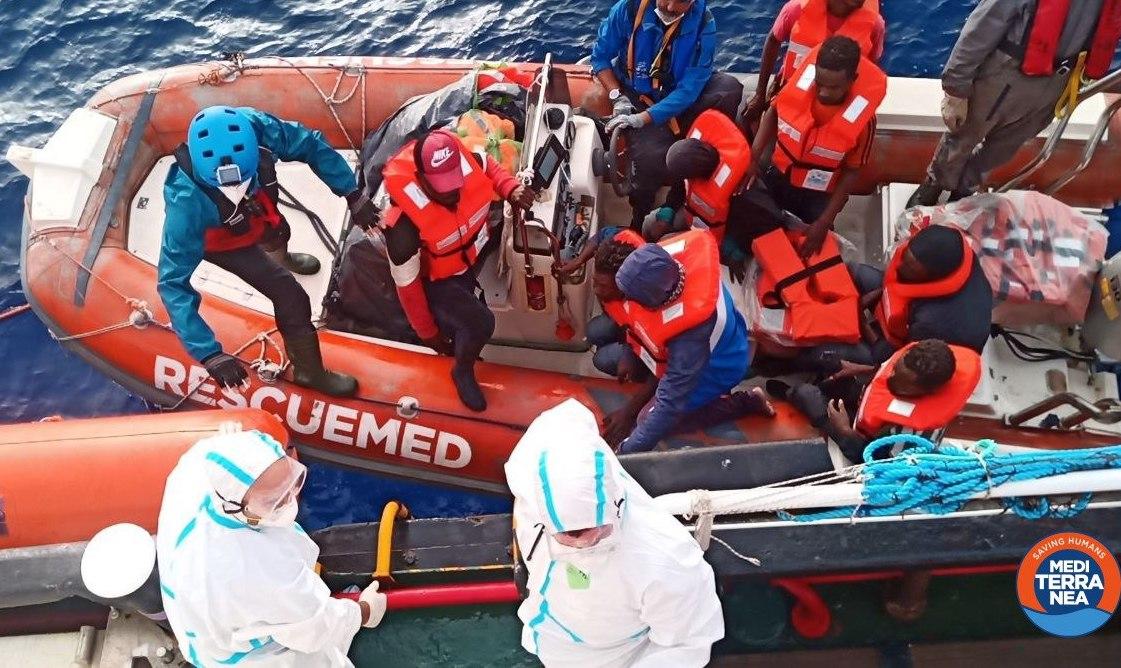 Salvati 67 migranti alla deriva nel Mediterraneo: nave Mar Jonio si dirige verso Pozzallo