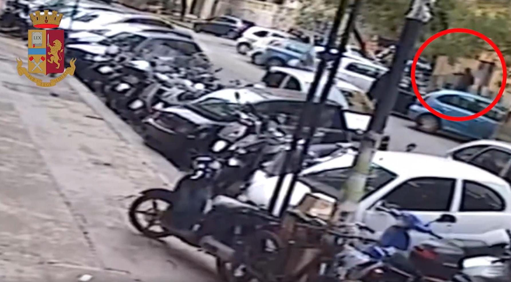 Guardia giurata derubata, malviventi scappano con 46mila euro e una pistola: tre arresti, i dettagli