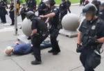 """Choc negli Stati Uniti, anziano 75enne scaraventato a terra da agenti: """"Stabile ma in gravi condizioni"""""""