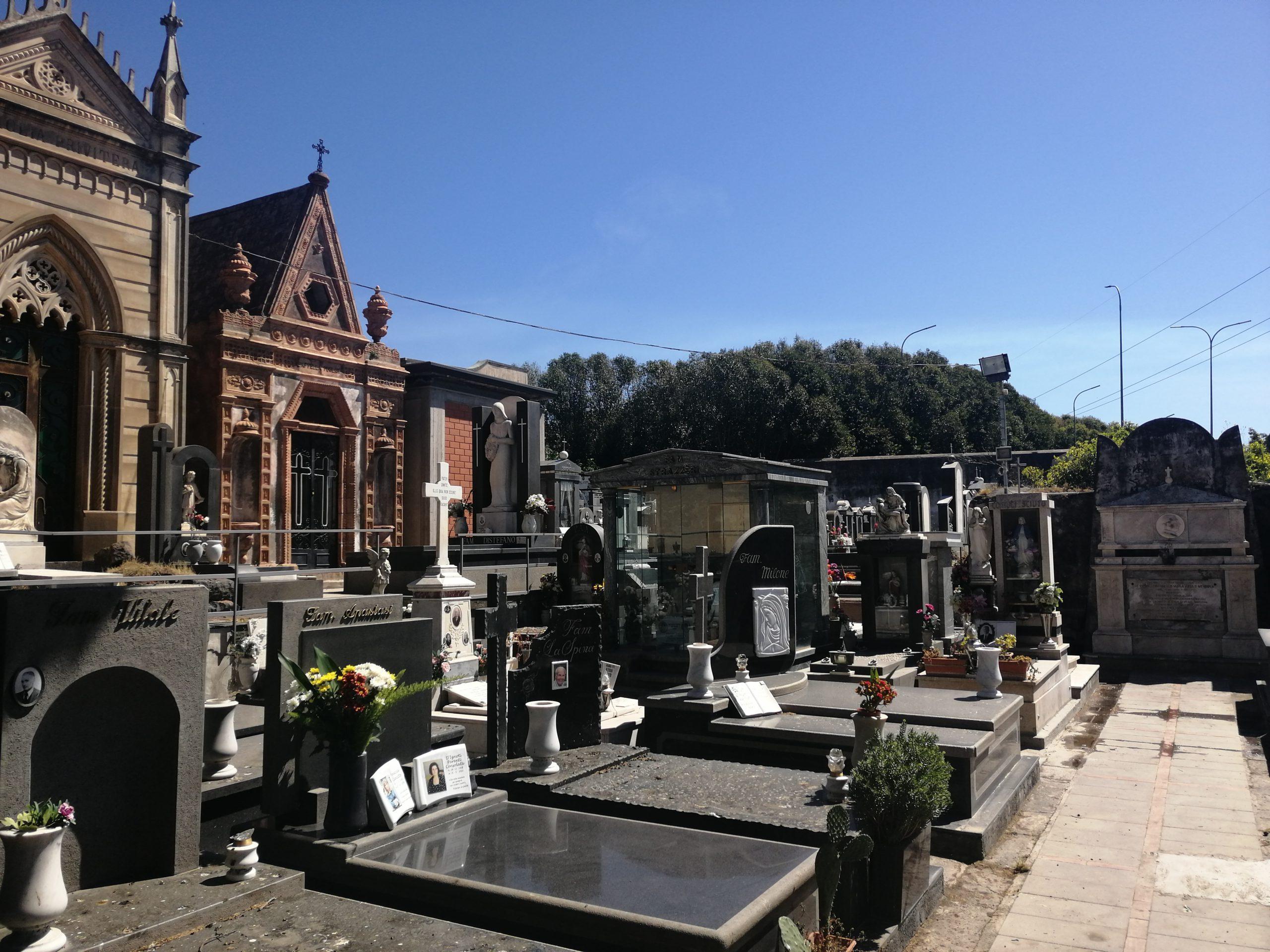 """Cimitero di San Giovanni Galermo, Zingale: """"Non c'è più spazio per le sepolture"""""""