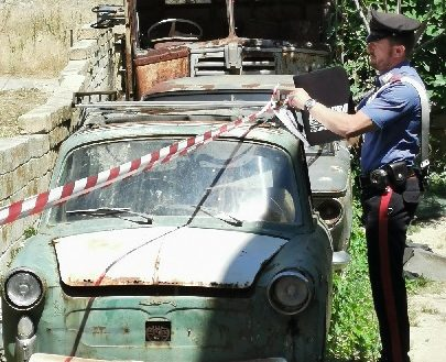 Terreno privato trasformato in discarica abusiva: il proprietario rischia fino a 2 anni di carcere