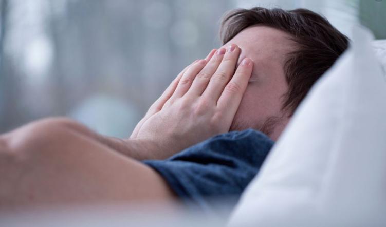 """Disturbi e """"corretta abitudine"""" del sonno, cause e rimedi: i consigli dello specialista"""