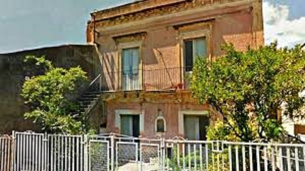 Catania, palazzina confiscata alla mafia diventa struttura sociale: sostegno per i più deboli