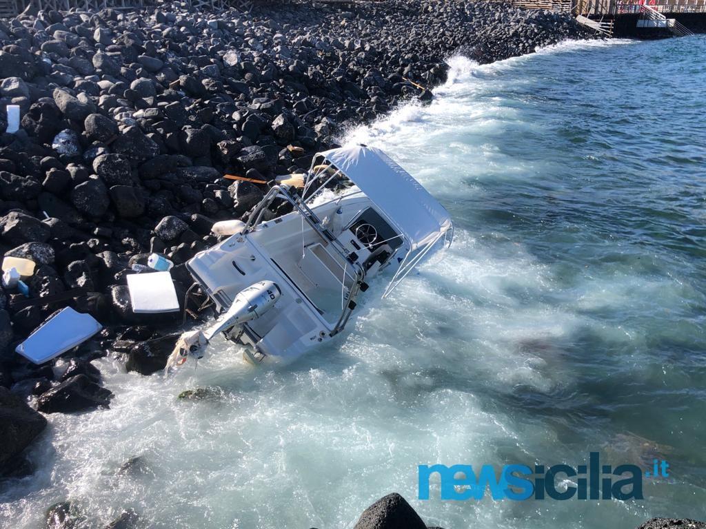 Dramma a Ognina: due barche affondate, si cercano i dispersi – FOTO