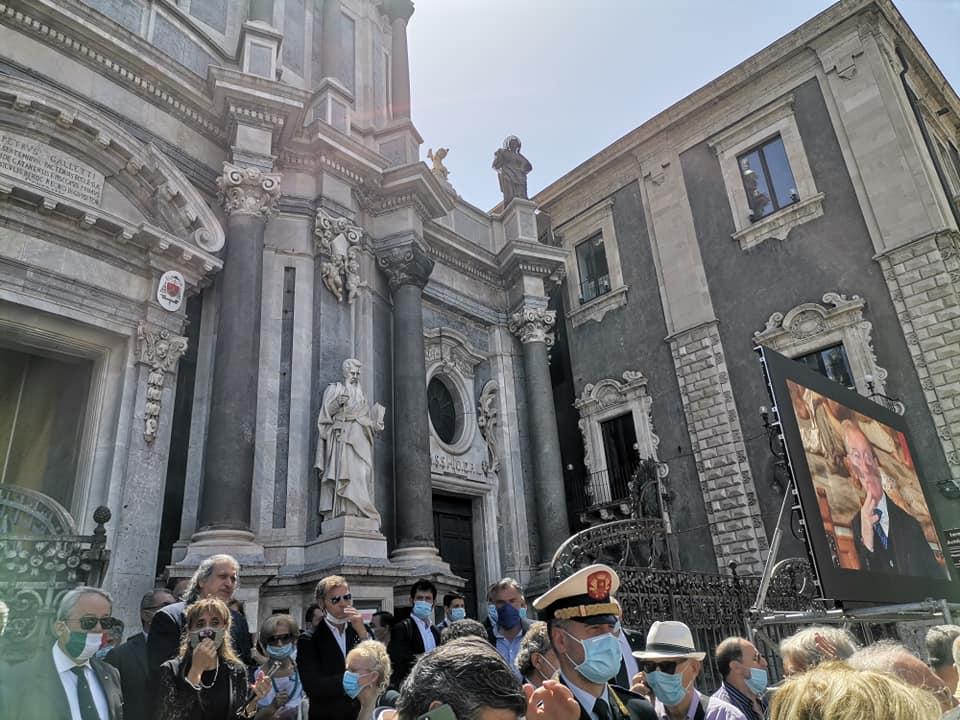 Catania, commozione in Cattedrale per l'ultimo saluto al commendatore Luigi Maina