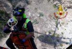 Choc a Taormina, cade sugli scogli e sbatte violentemente la testa: morto 20enne