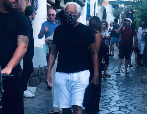 Vacanze siciliane, il re degli stilisti Giorgio Armani si gode l'estate a Panarea