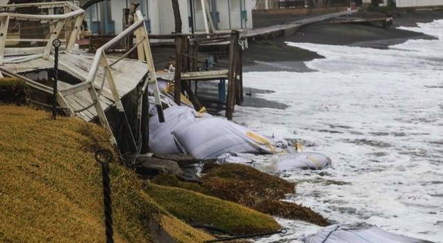 Sicilia, l'erosione delle spiagge aumenta del 60%: Legambiente contro la cementificazione delle coste