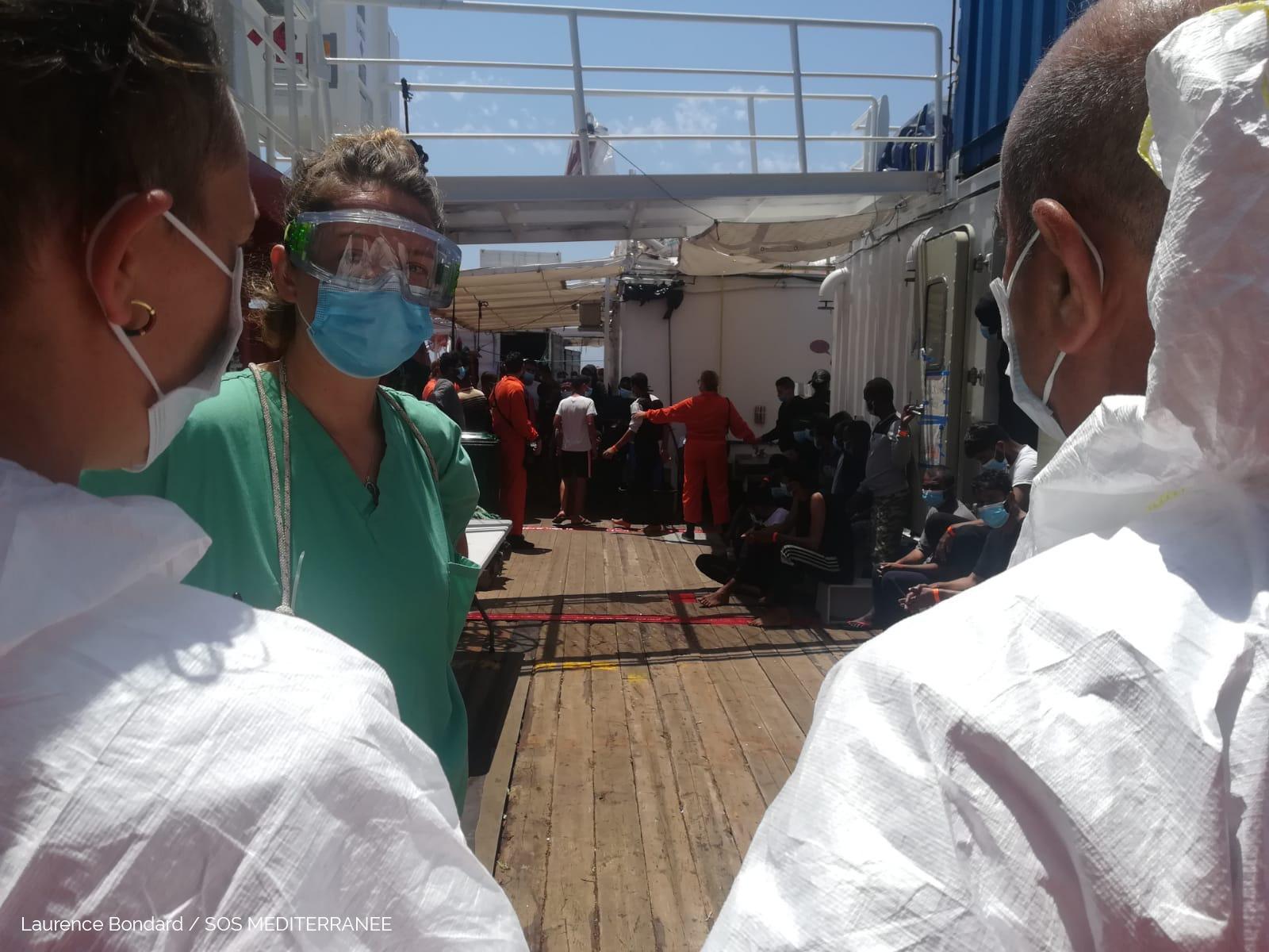 Ocean Viking, in giornata assegnazione porto: sulla nave arriva squadra medica italiana