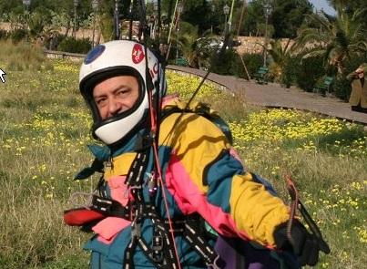 Volo col parapendio finito in tragedia, Fiorenzo Borgia muore dopo lo schianto al suolo