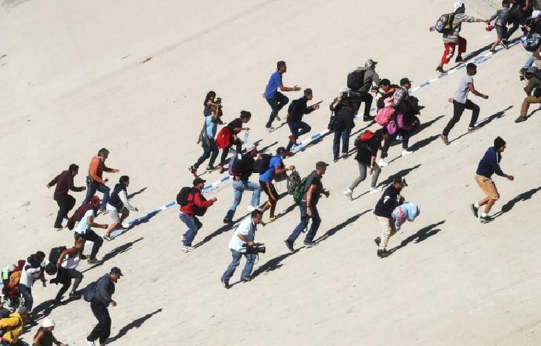 Ancora una fuga dall'hotspot di Lampedusa: migranti individuati e riportati indietro