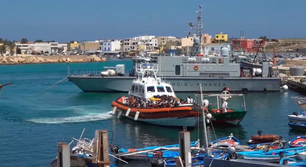 Continuano gli sbarchi a Lampedusa: soccorsi due barchini con 40 tunisini a bordo