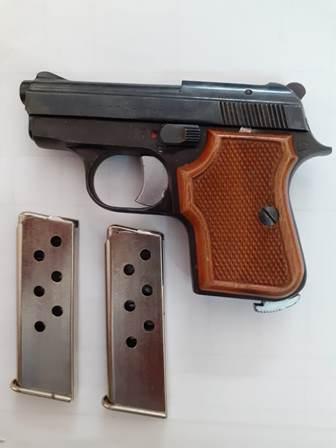 pistola sequestrata con munizioni