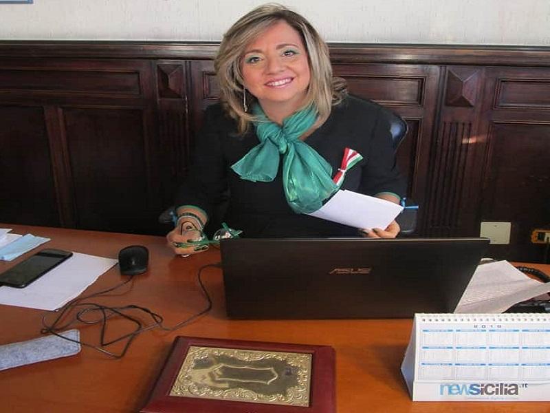 """L'Istituto """"De Felice-Olivetti"""" fiore all'occhiello di Catania. Dirigente De Francesco: """"Raggiunti risultati importanti"""""""
