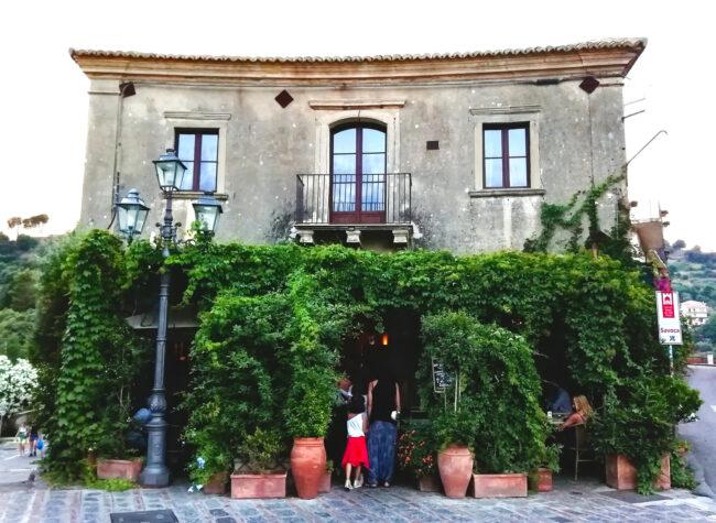 Savoca Bar vitelli - Palazzo trimarchi