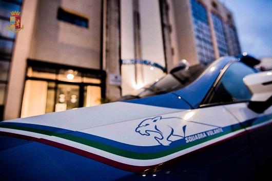 Catania, Volanti in giro per la città: due denunciati e tre parcheggiatori abusivi sanzionati