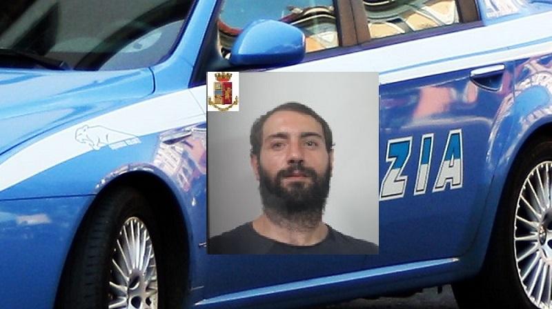 """San Cristoforo, il pusher fa movimenti sospetti. Cinofili trovano 17 """"stecche"""" e 210 euro: arrestato 29enne"""