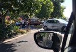 Mattoni in cemento in strada, scontro camion con materiale edile e auto blocca la Circonvallazione di Catania