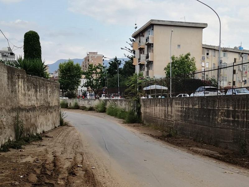 """Alluvione a Palermo, famiglia aiutata da un residente in via Filippo Brunelleschi: """"Ci stavano scappando i morti"""""""