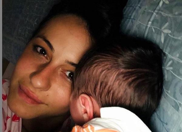 """Ex tronista siciliana Anna Munafò lancia appello: """"Non avvicinatevi a mio figlio senza mascherina"""""""