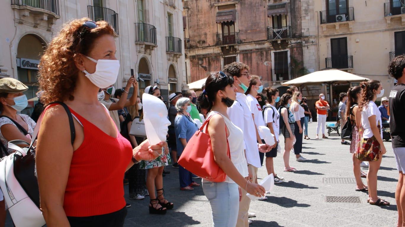 """Protesta lavoratori dello spettacolo, flash mob a Catania. Saverino: """"Sostenere i lavoratori con ammortizzatori sociali ad hoc"""""""