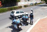"""Ai domiciliari, apre portone di casa e si ritrova i poliziotti: pusher aspettava il """"cliente"""", arrestato"""