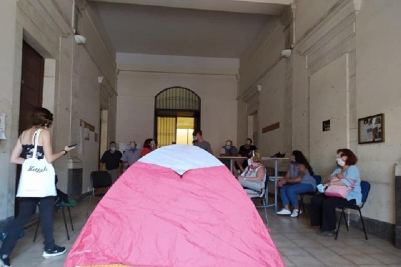 Catania, aggredito un agente della Digos: denunce e segnalazioni per 9 attivisti del Centro Sociale Liotru