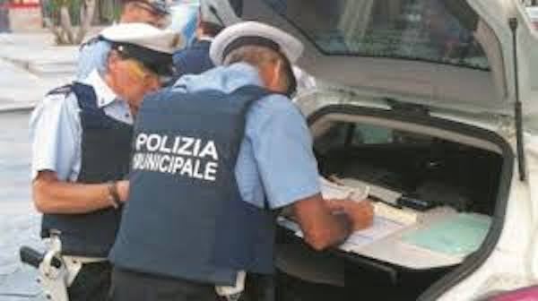 """Coronavirus Ragusa, vietati gli assembramenti sul lungomare a Modica: """"stangata"""" agli ambulanti"""