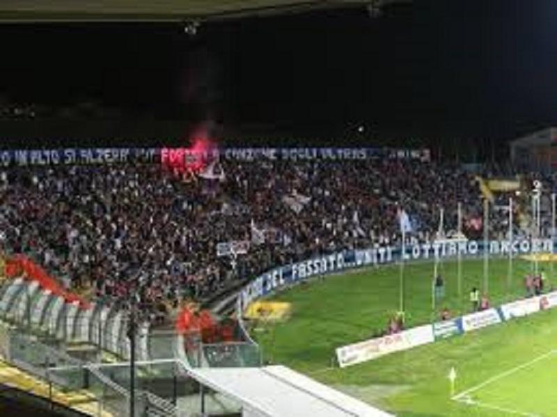 """Sconfitta bruciante per il Trapani al """"Romeo Anconetani"""" di Pisa: un gol di Marconi allo scadere vanifica la rimonta"""