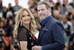 """Si è spenta a 57 anni Kelly Preston, moglie di John Travolta. """"Ha perso la sua battaglia contro il cancro"""""""