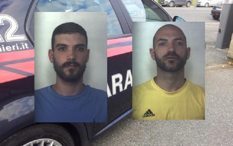 Sorpresi a casa con piante di marijuana poste nel cortile: arrestati due giovani fratelli