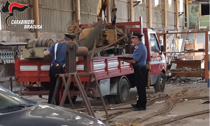 Furto in un'azienda di Priolo Gargallo, due siracusani asportano 400 chili di pannelli in rame: arrestati