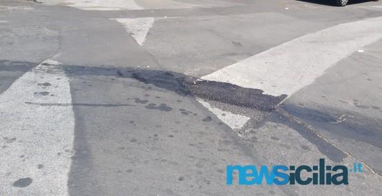"""San Giovanni Galermo, sversamento di liquidi in strada e cattivo odore. Buceti: """"Intervenire subito"""""""