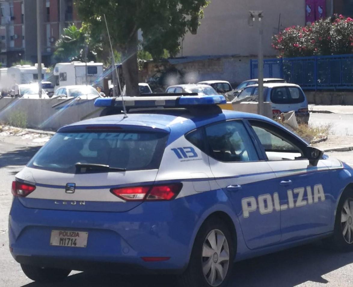 Furto di ferro in un lido di viale Kennedy: inseguimento per le vie di Catania, due stranieri in manette