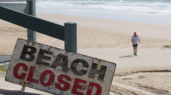 Spiagge chiuse a San Lorenzo e Ferragosto: no a balli, falò e assembramenti. Ecco i litorali interessati