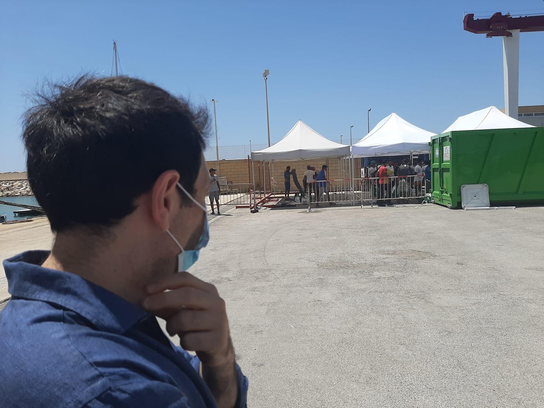 """Altri 64 migranti positivi a Pozzallo in un solo giorno. Razza: """"Basta! La Sicilia non lo merita"""""""