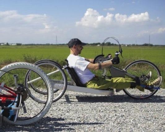 In handbike da Torino a Catania, l'impresa di Danilo e Luca: due disabili con la voglia di ricominciare